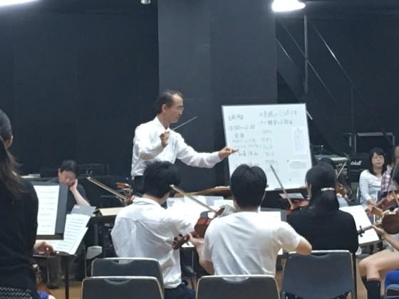 指揮者の江上先生
