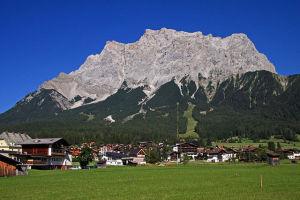 640px-Zugspitze_2