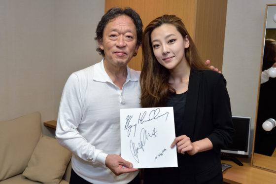 【写真】終演後お二人からサインをいただきました