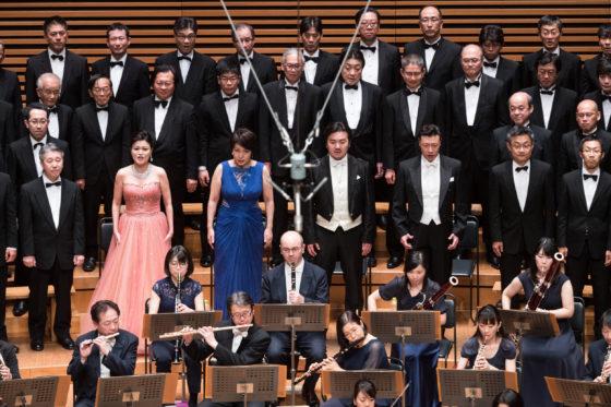 【写真】ソリストと合唱団の写真。すばらしい歌声でした。