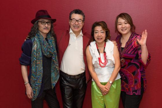 【写真】終演後に今回のメンバー4名がそろっての記念撮影。