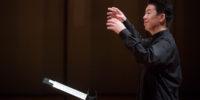 【写真】指揮をする西川さん