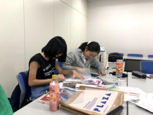 【写真】それぞれの作業をするデザイン部メンバー。