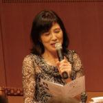 【写真】企画者松居直美が話している様子。